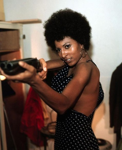 pam-grier-as-coffy